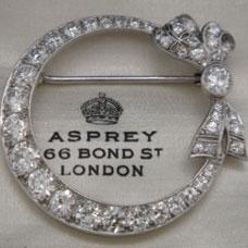 Platinum Art Deco Diamond Circle Pin